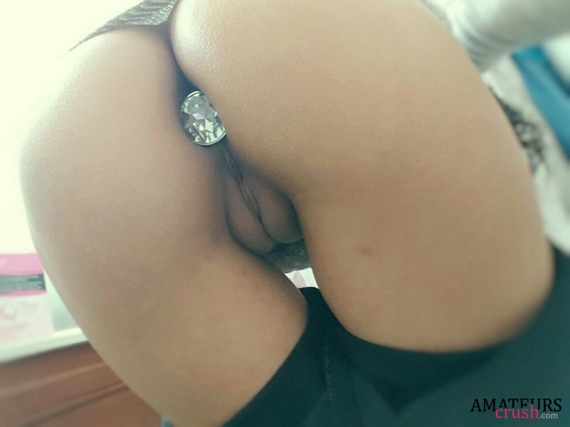 Chicks in pussy jewelry — pic 15