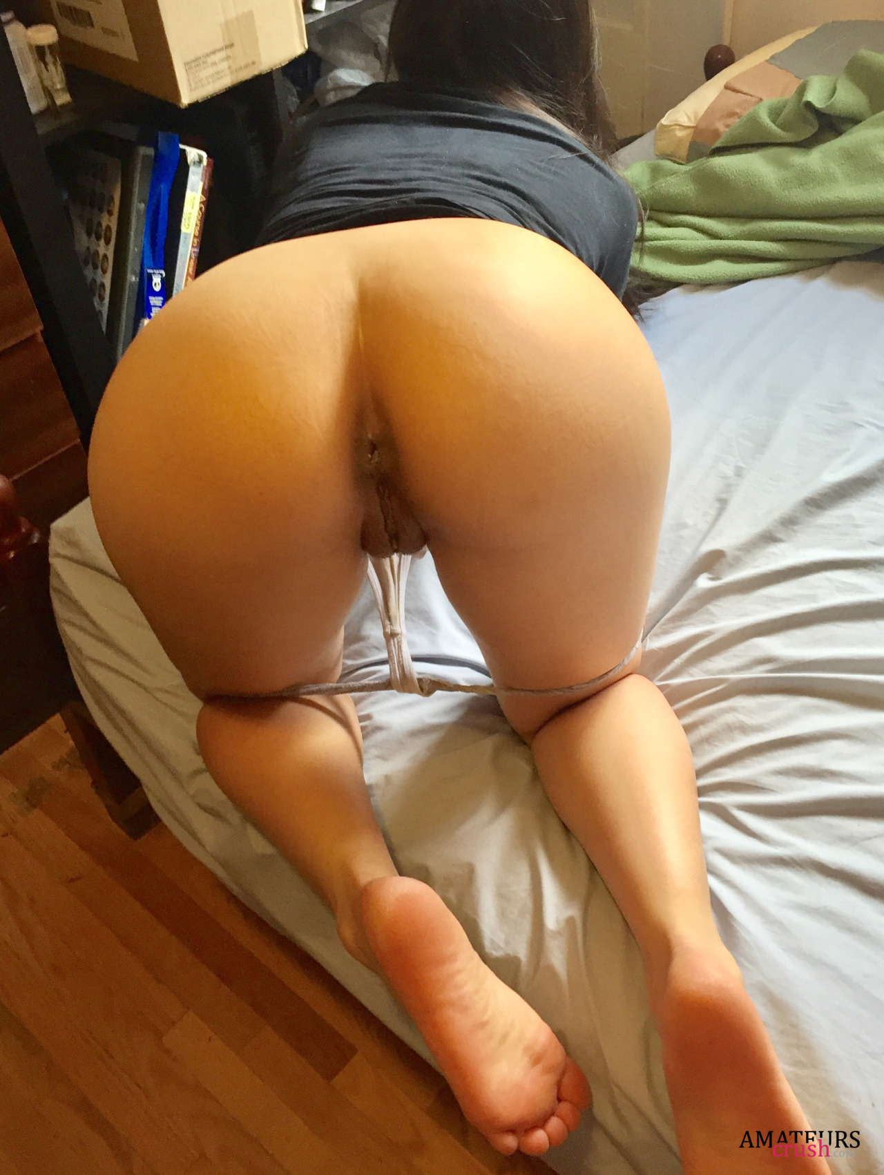 asian girls bend over