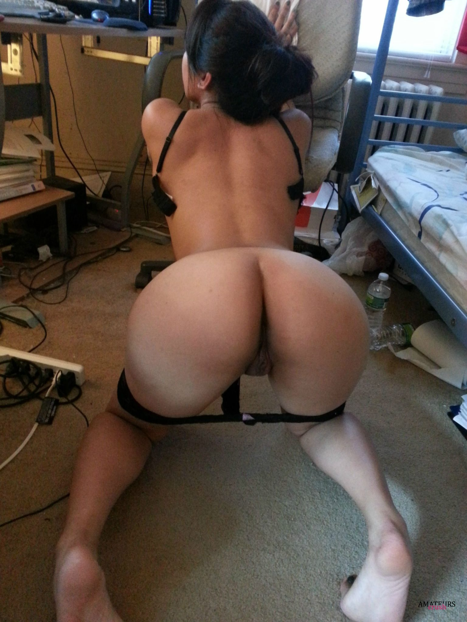 Girls Bent Over Collection - 41 Amazing Big Asses To ...