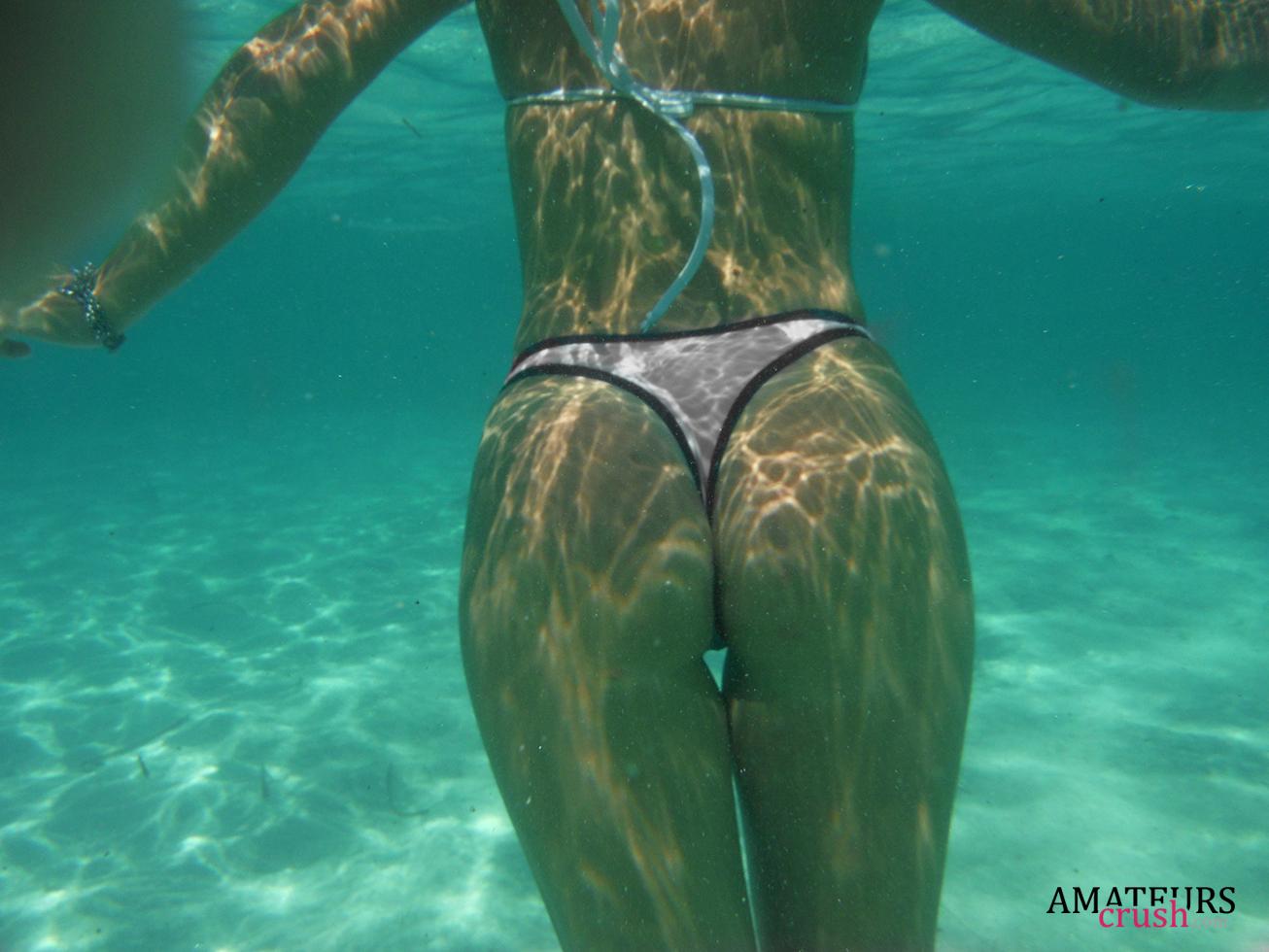Underwater ass