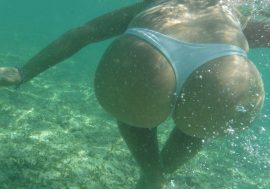 great bubble butt sticking back underwater