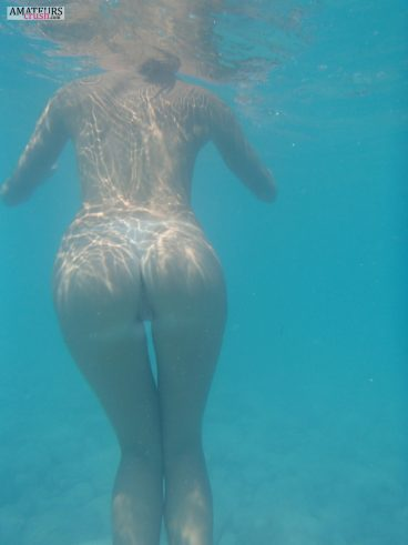 Pussy from behind in underwater sexy ass pussy photo