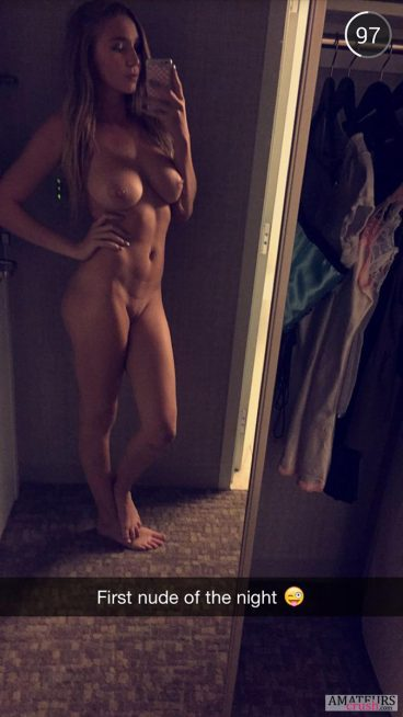 First nude of the night in naughty snapchat