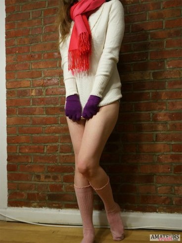 Small Sexy girlfriend wearing a sweater with no pants on and a red scarf in hot girl strips naked pics
