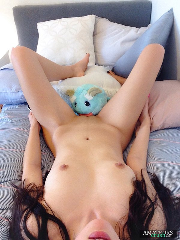 Momo, the pussy destroyer teddybear, eating delicious Asian juicy wet pussy