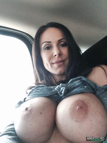 Hot big tits MILF pics in sexy selfie in car