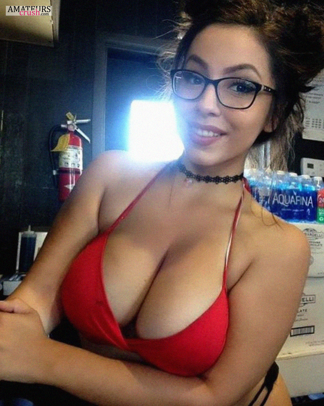 Super Sexy Barista Girl With Glasses In Red Bra And Showing Her Big Breasts Cleavage