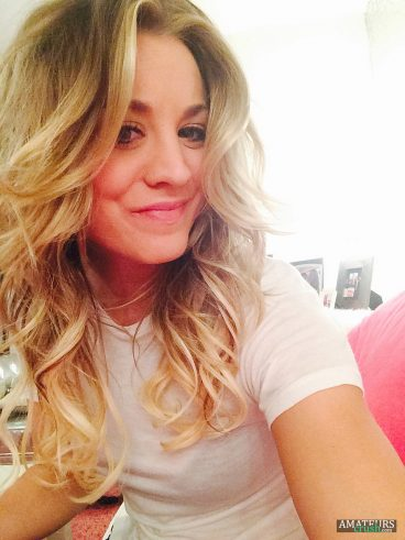 Sexy Kaley Cuoco smile selfie leaked