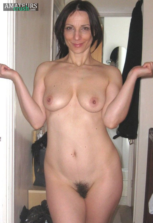 Sexy Nude Milf Pics With Hairy Vagina Standing In Doorway