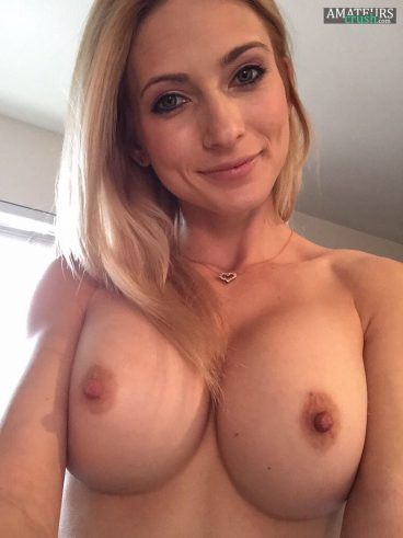 Super hot blonde wife MILF with big boobs in nude selfie
