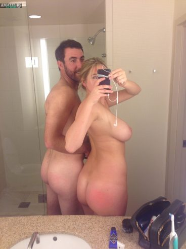 Big butt nude Kate Upton and big sideboob selfie in bathroom with Justin