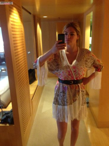 Kate sexy selfie leaked pictures in stylish dress