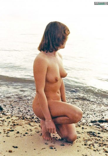 Oldskool naked wife pic down on one knee in nude beach pic