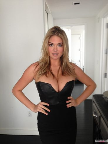 Sexy black dress of Kate leaked
