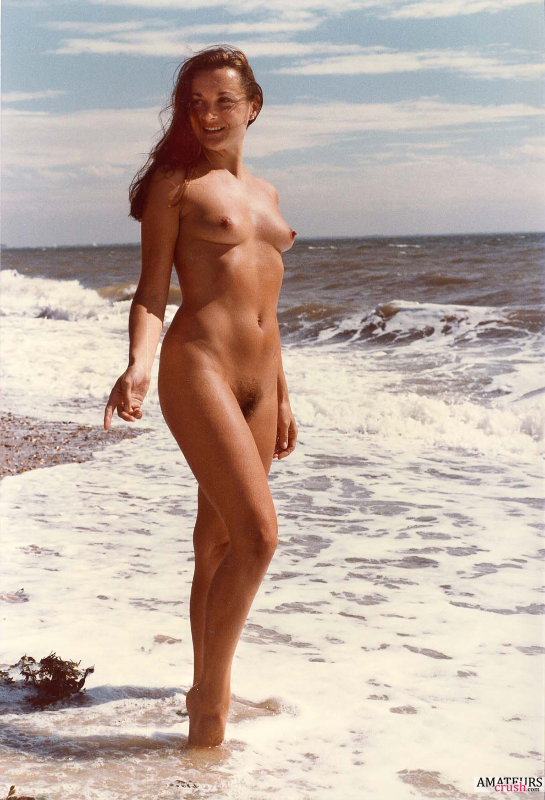 beatiful girls at nude beach