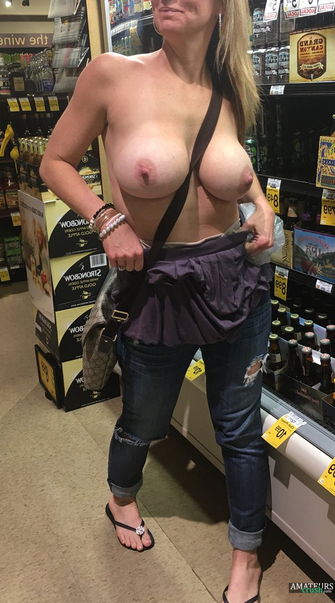 Girls Flashing In Public - Risky Delicious Tits, Asses & Pussys ...