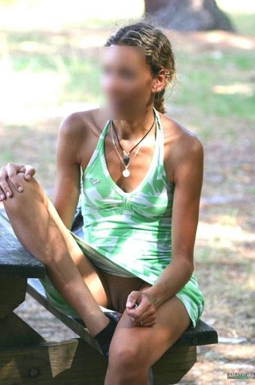 Unaware upskirt vagina pic of wife sitting on bench in park