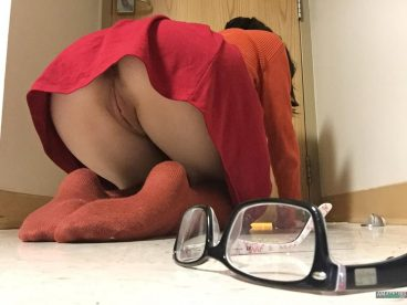 Upskirt rear pussy of Asian girl losing her glasses on ground FI
