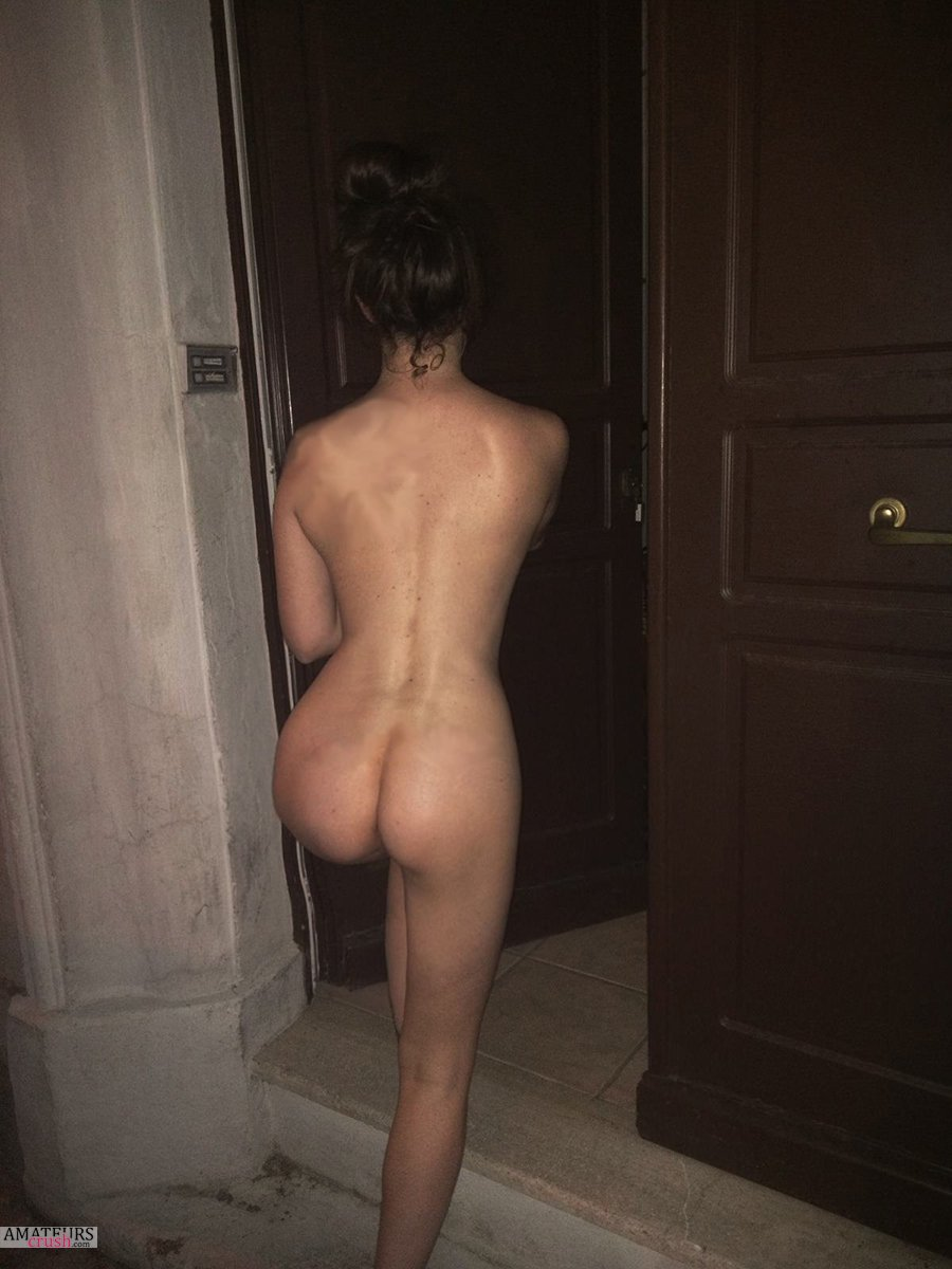 perfect naked amateur ass