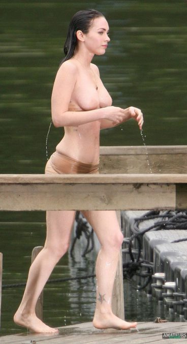Photos of wet dripping Megan Fox naked tits pic