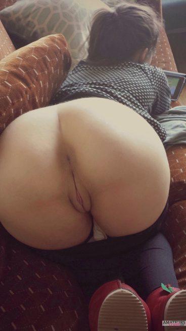 Asian GF bent over nude ass playing game