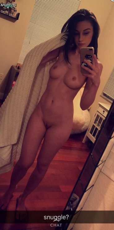 Camgirl Katie wants to nude snuggle in premium snapchat