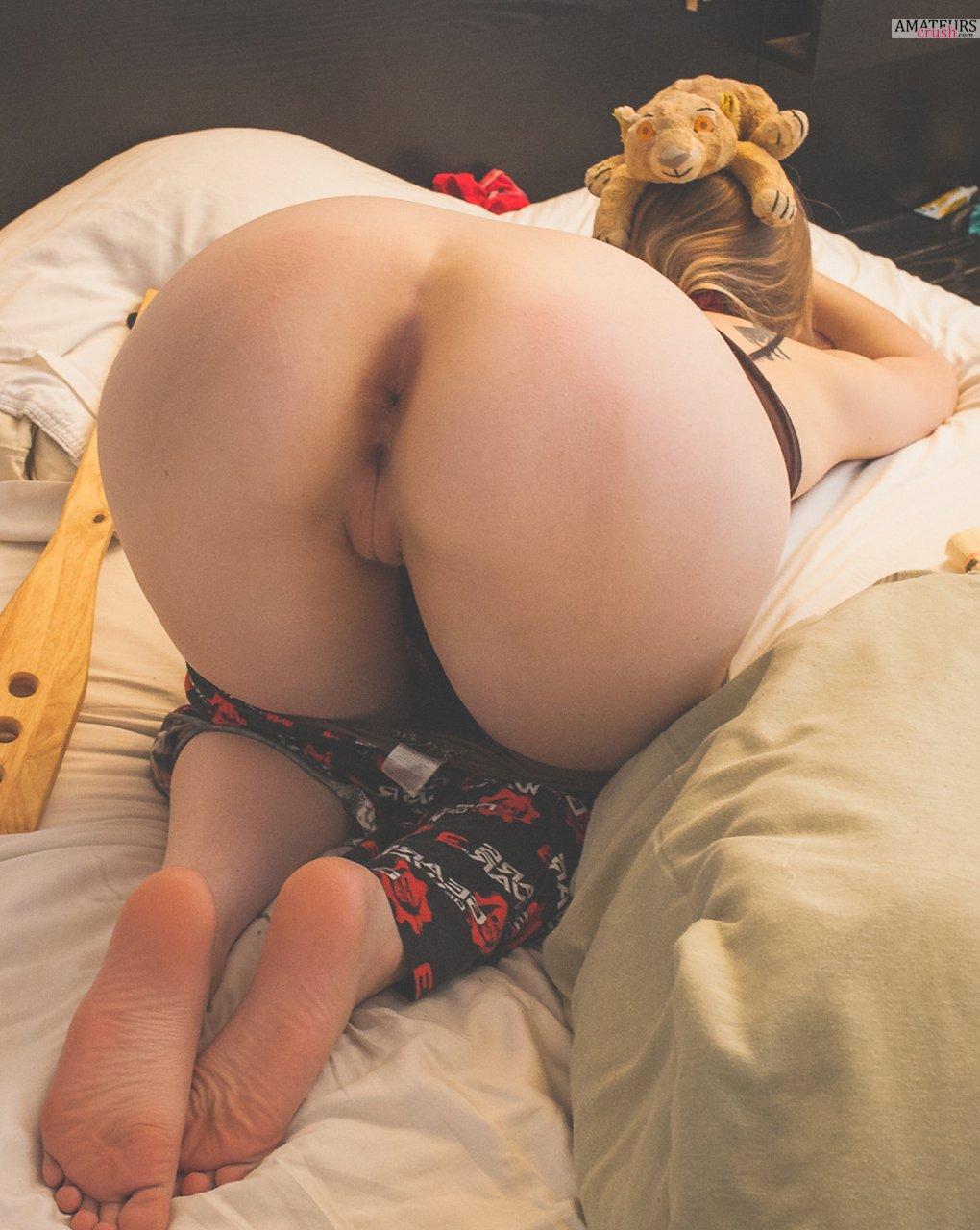 Nude Women Bent Over Collection Part Ii Amateurscrush Com