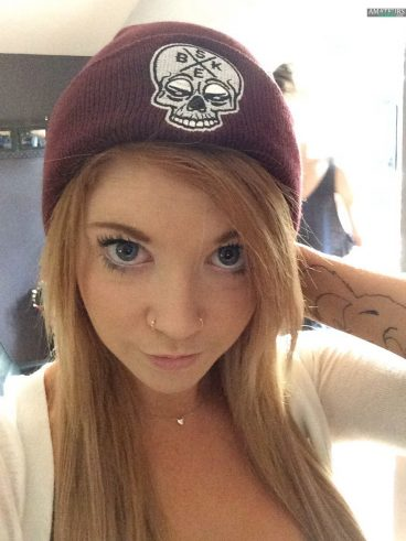 Freaking sexy natural redhead girl selfie with cap on