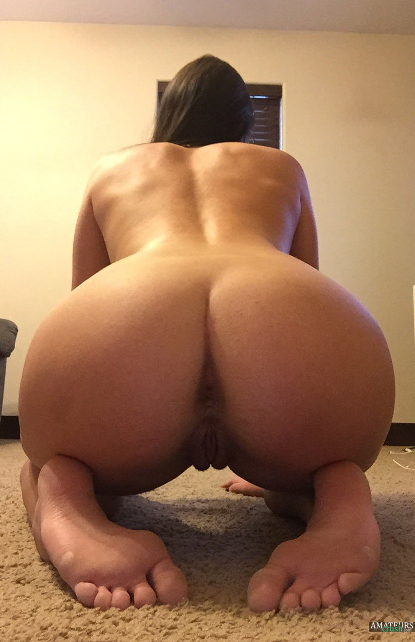 naked sexy girls bending over