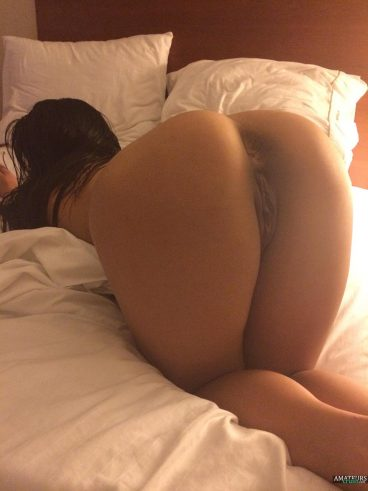 Super sexy big butt women bent over nude ass