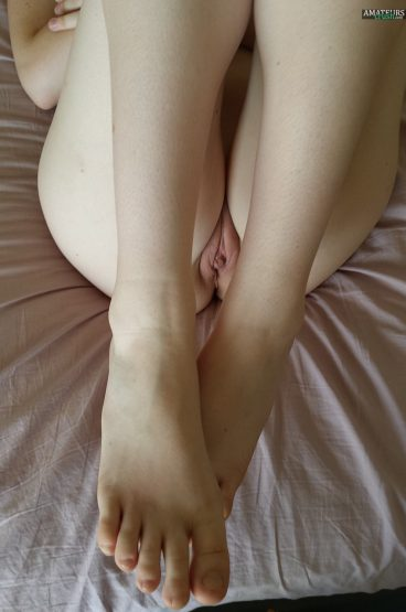 Very hot pussy pic of my sexy girlfriend Mina legs up