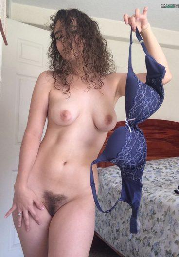 Sexy naked Latina girl from Guatemala leak nude with bush