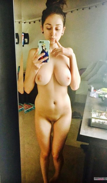 Yana Official Tumblr big tits naked Jewish girl selfie