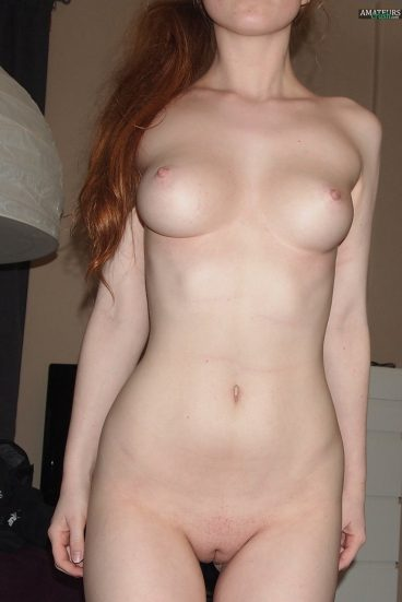 Nude sexy ginger girl FayMougles pic