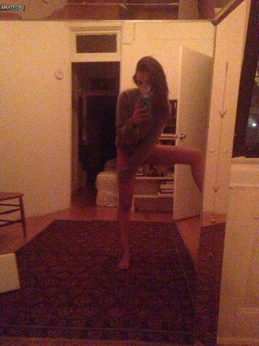 Pictures Emily Ratajkowski nude bottomless model selfie