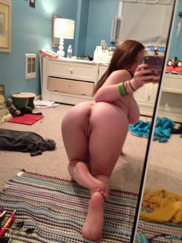 Bent over naked teen selfies mirror with tits hanging pic