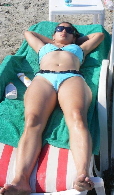 Sexy Romanian cameltoe pussy slip original beach voyeur FI