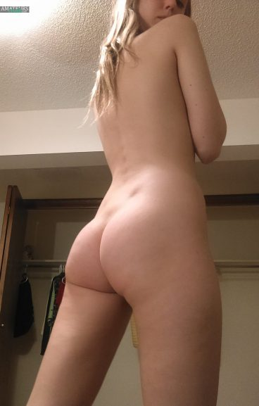 Fantastic naked ass college girl from behind