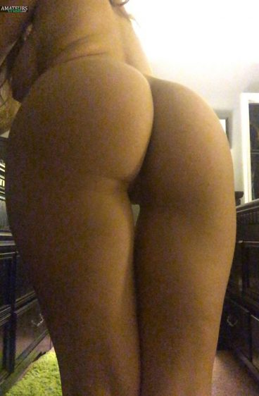 Bent over hot big nature-is-her-life Tumblr butt from behind selfie
