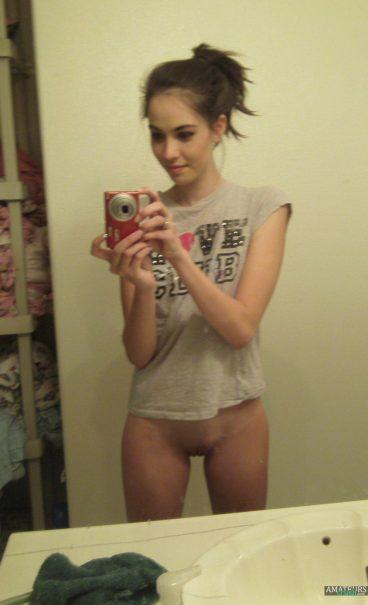 Sexy naked bottomless teengirl selfie galleries