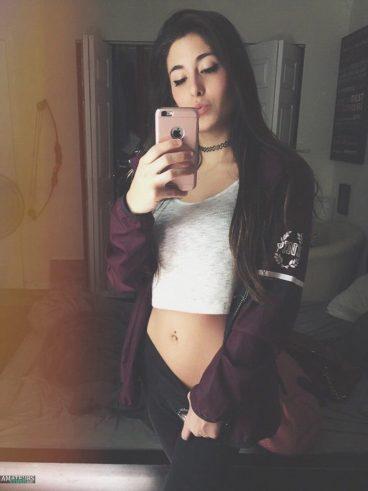 Beautiful teenage girl Natalie M. gallery