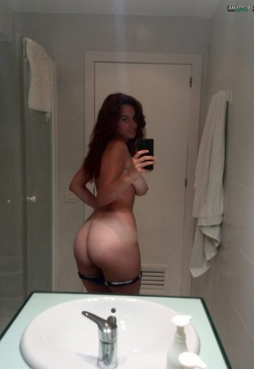 Fantastic homemade reddit ass selfie of GreenObsession ColourDream SexyGIrl__
