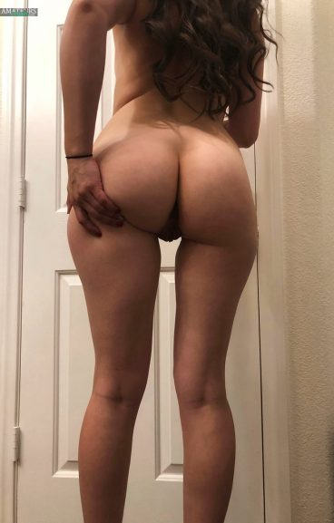 Fat hot ass picture from behind pussy