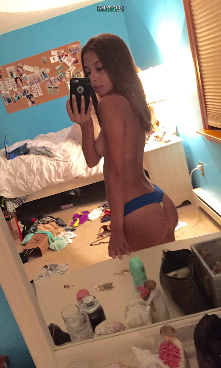 sexy teen ass selfies