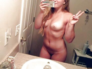 Leak college hot girlfriend nude girl boobs peace sign