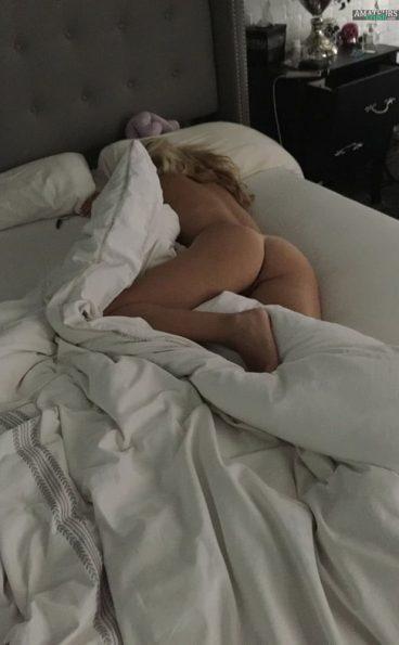 Huge sexy nude babe ass ex GF pic sleeping