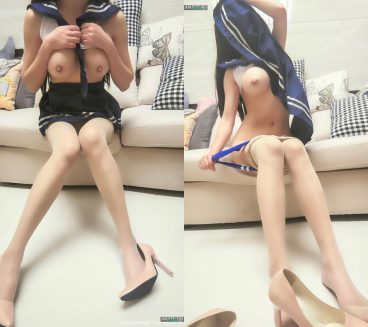 Young sailormoon naked Chinese babe pictures