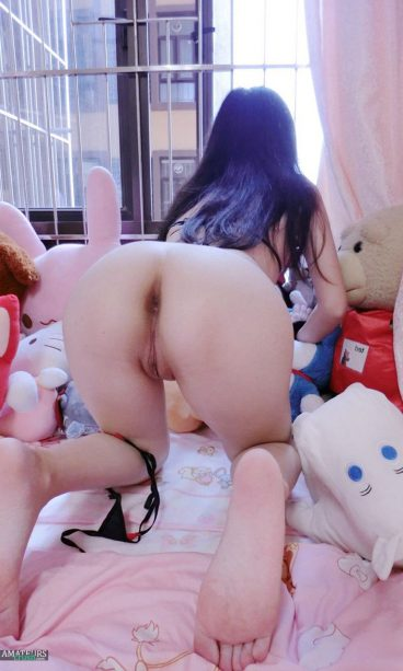 Big ass nude Chinese girls behind bent over