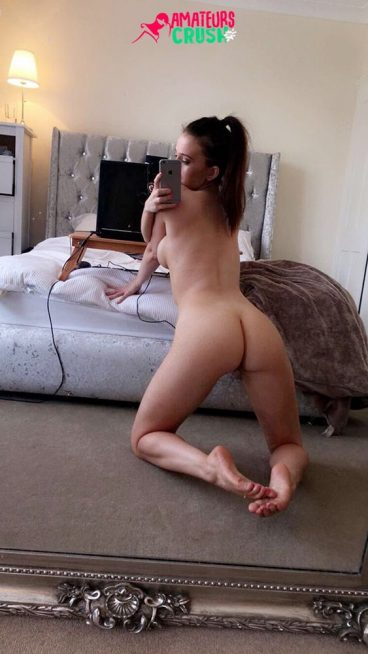 Tight fresh amateur UK camgirl busty Natalie pic