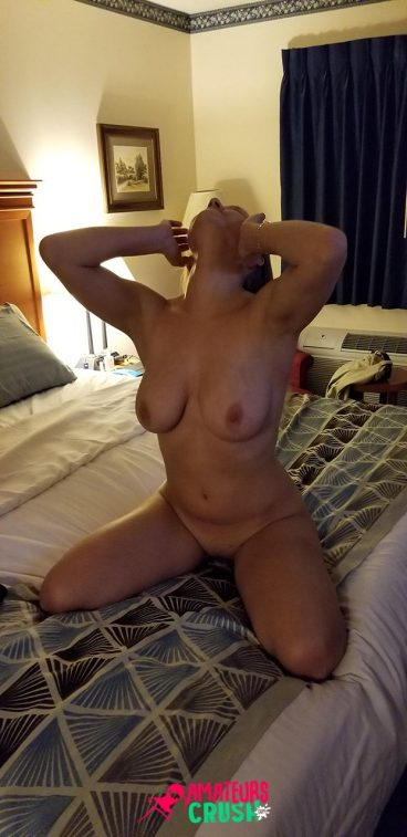 Real user submitted porn nudes amateur wife on bed gallery